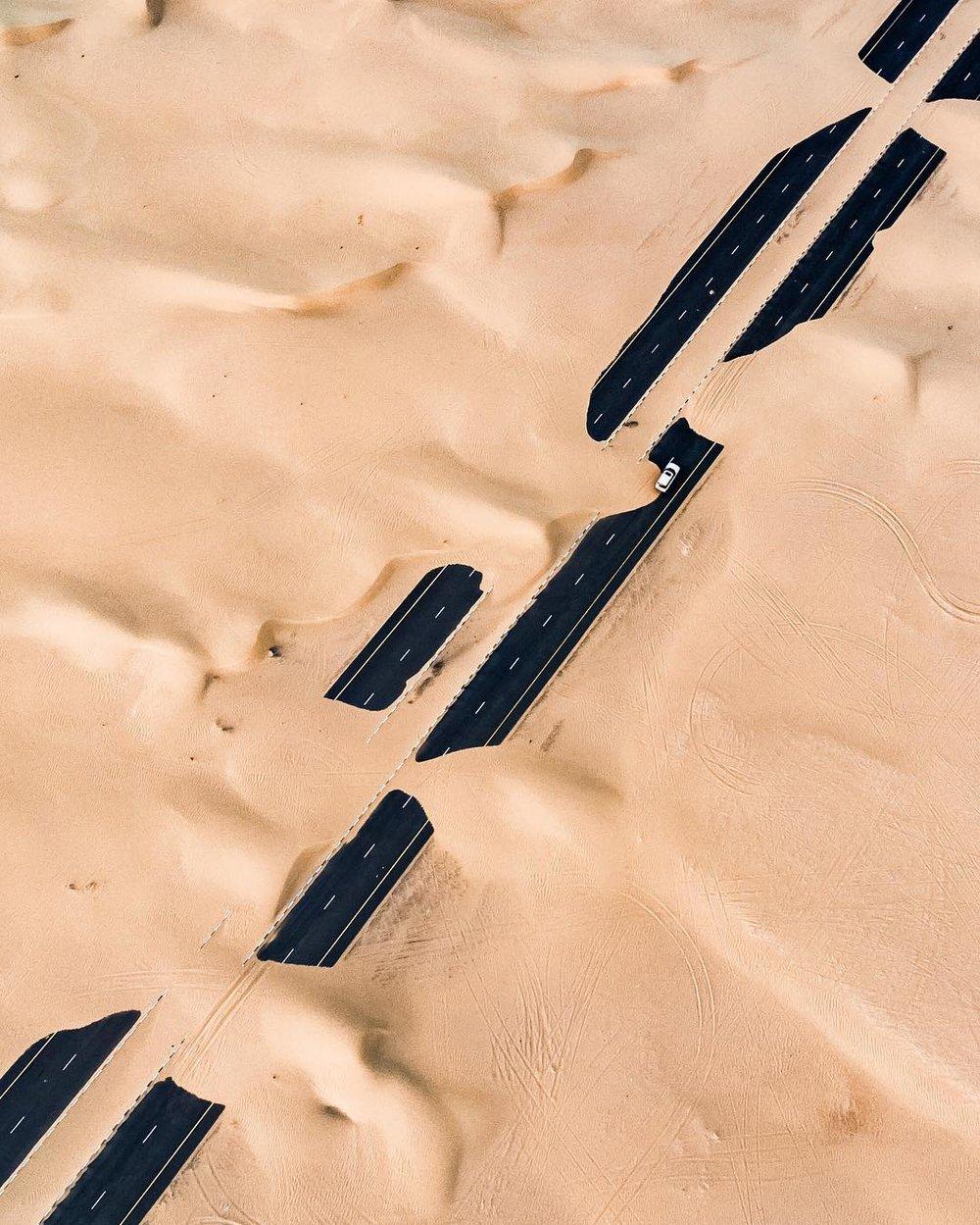 Irenaeus_Herok_Sandswept_Dubai_Highways_Moto-Mucci (2).jpg