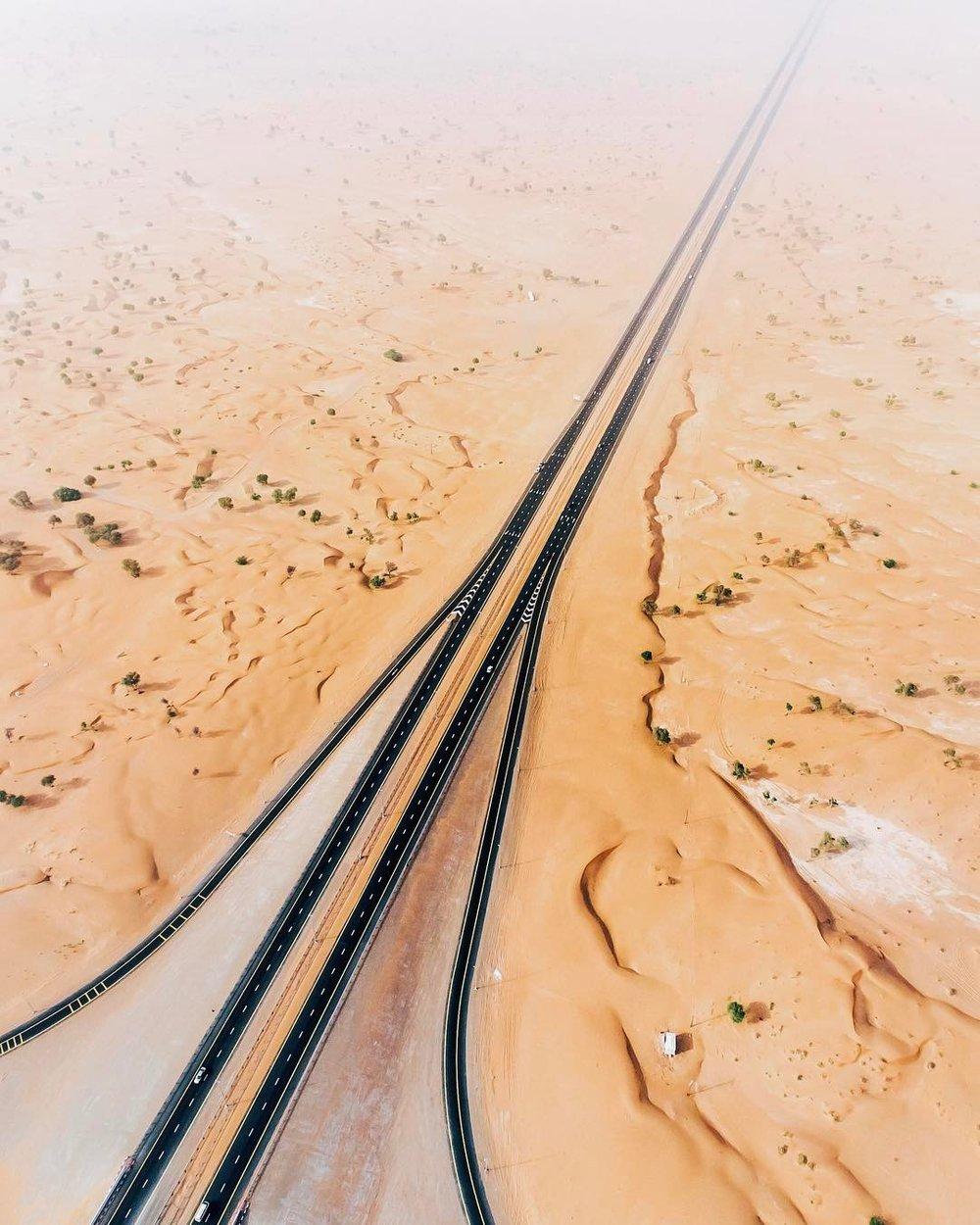 Irenaeus_Herok_Sandswept_Dubai_Highways_Moto-Mucci (6).jpg