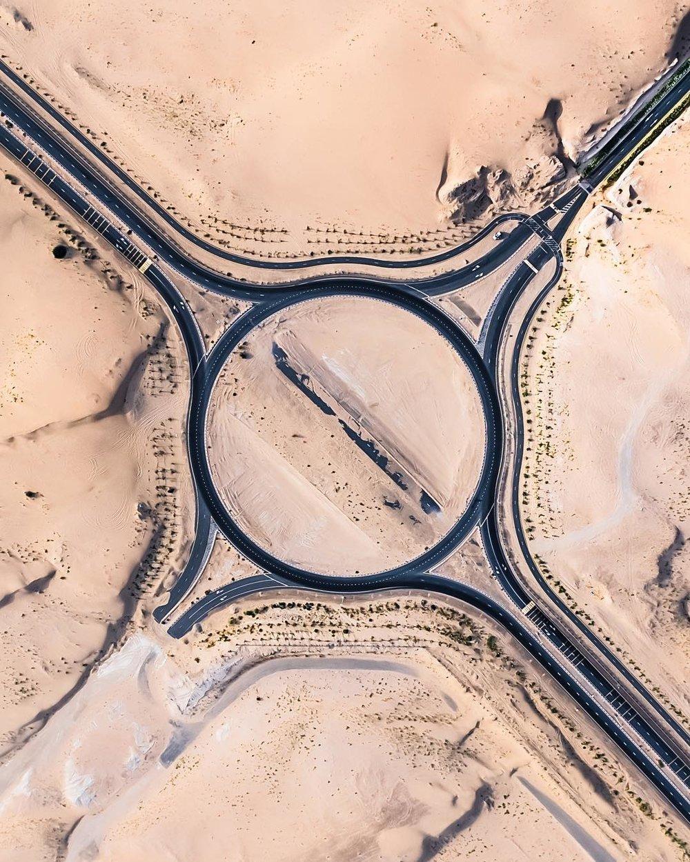 Irenaeus_Herok_Sandswept_Dubai_Highways_Moto-Mucci (9).jpg
