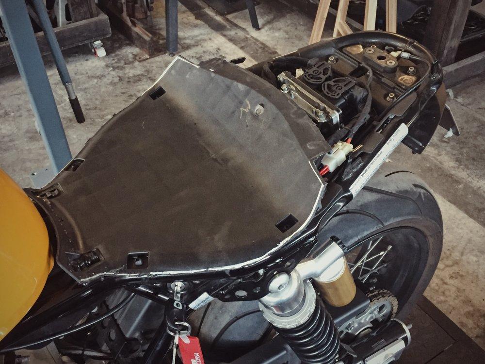 Moto-Mucci_Custom_Ducati_Sport_Classic_Seat (33).JPG