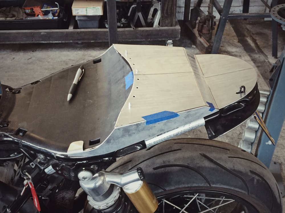 Moto-Mucci_Custom_Ducati_Sport_Classic_Seat (2).JPG