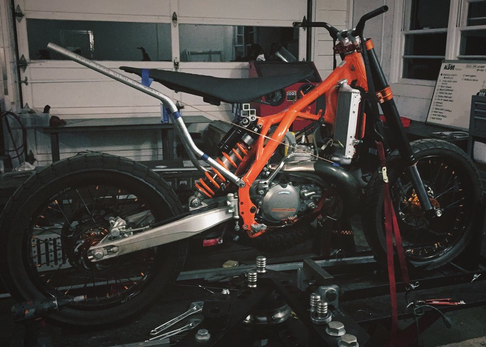 Moto-Mucci_Custom_KTM_300_Build (7).jpg
