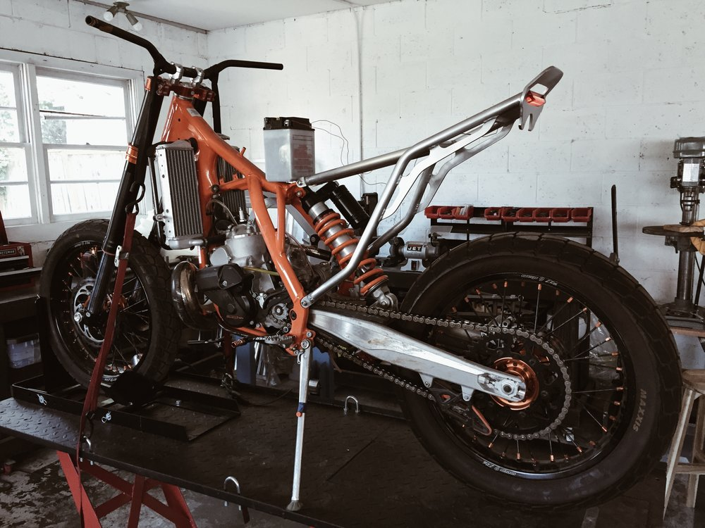 Moto-Mucci_Custom_KTM_300_Build (16).jpg
