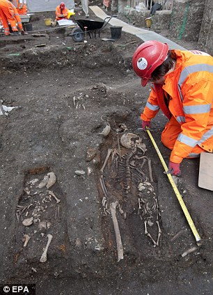 3,000 skeletons found at construction site