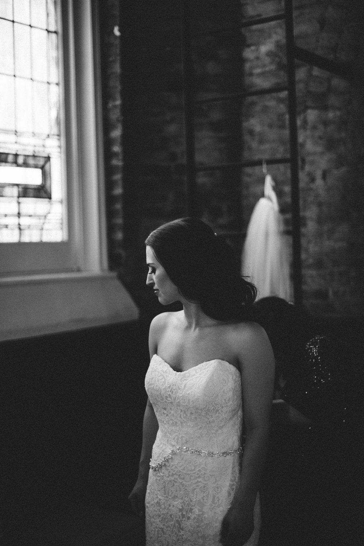 Alyssa + Phil Wedding  The Transept, Cincinnati Ohio | Leslie Rodriguez Photography