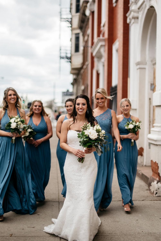 Alyssa + Phil Wedding | The Transept, Cincinnati Ohio | Leslie Rodriguez Photography