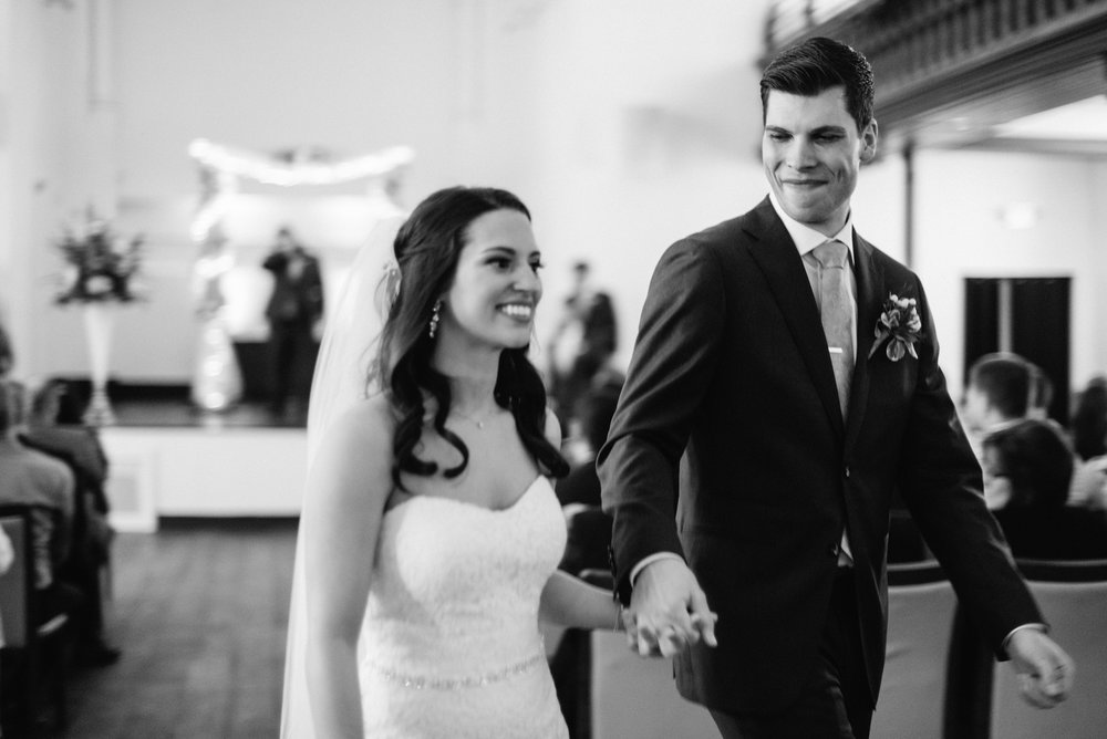 Just Married | The Transept, Cincinnati Ohio | Leslie Rodriguez Photography