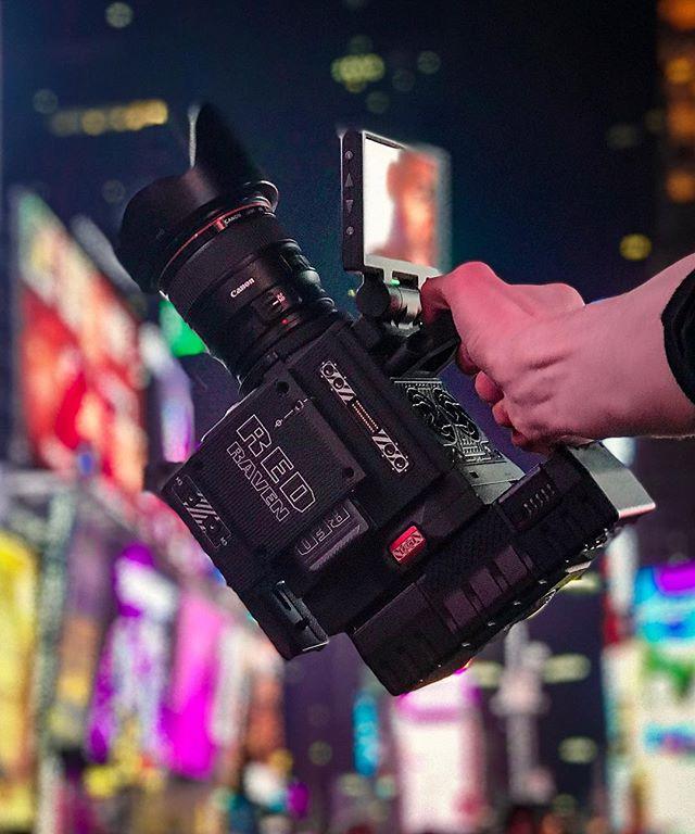 🏃♂️& 🔫 setup • • • @getfilmingofficial @gearspread @filmakrs @film.rev @camera_setups @camera_setup_club @myvideobag @filmschool @redcamerausers @reddigitalcinema @redcinemaclub #letsshoot #reddigitalcinema #redraven #myvideobag #redcc #filmrev