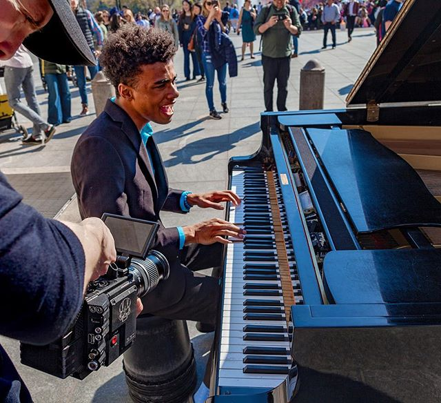 One thing I can tell you about this image is that when I woke up the morning this picture was taken, I had absolutely no idea I would be shooting a performance on a grand piano under the famous arch in Washington Square Park with thousands of people watching, taking pictures and videos of their own. Not sure I've ever been under that much pressure with my work, but we all zoned in and did our thing. 'Found You' music video coming soon! 📸: @kellydrake19 #reddigitalcinema #nycdirector #musicvideo #washingtonsquarepark