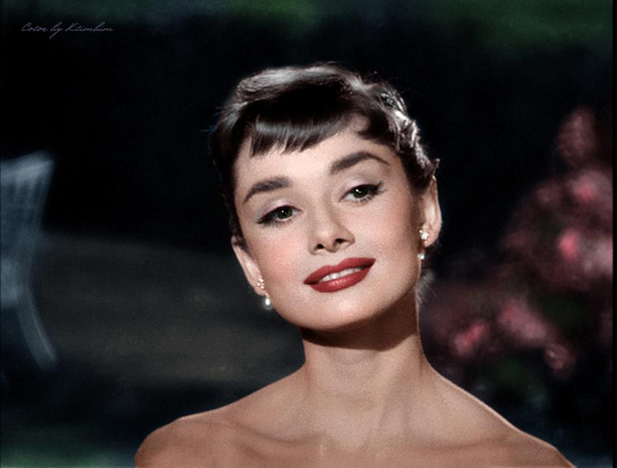 Audrey-Hepburn-image-audrey-hepburn-36336189-900-682.jpg