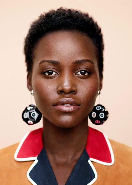 Nada de cílios postiços para Lupita Nyong'o |Foto: fashiongonerogue