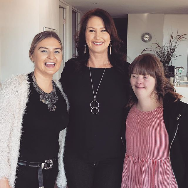 This morning Pam has the pleasure of doing Nadia right, and her Mum Annette hair and makeup..Nadia and her Mum have had many struggles in life and the amazing team @makeawishaust have granted Nadia a wish, because life was ment to be lived right ... she wished to meet Chuck Norris, which she is today Supernova today!  Have the best time Nadia we hope you and mum both felt pampered by #hotm2upam today.  #makeawish #makeawishfoundation #mobilemakeupartist #mobileservices #mobilehairdresser #sydney #mobilehairdressingsydney #sydneymobilehairdresser #sydneymobilemakeupartist