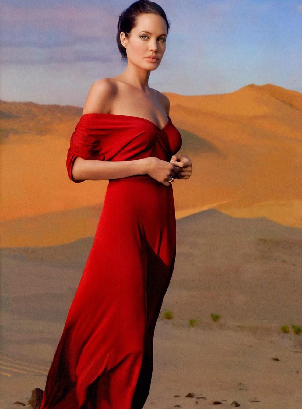 Angelina Jolie, Metal Sorceress of the Sandy Desert, 2017 Prediction