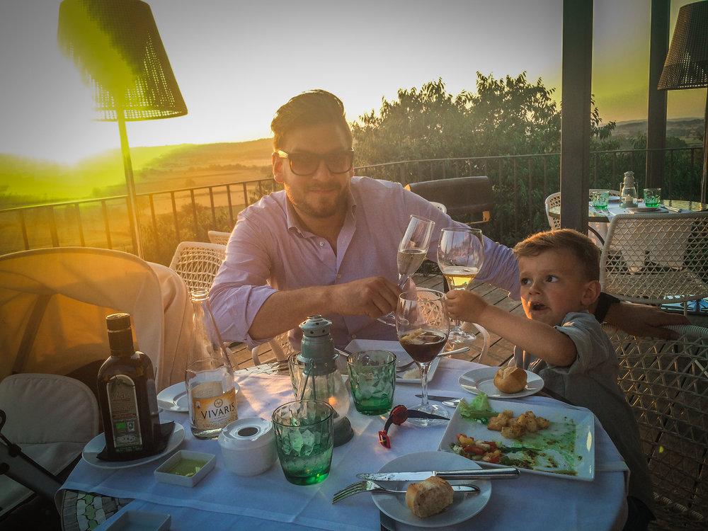 Avond eten met kinderen - idyllische hotels - Castell d'Emporda - Reizen met kinderen