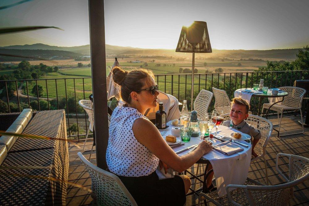 Avondeten - idyllische hotels - Castell d'Emporda - Reizen met kinderen