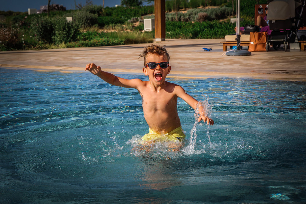 Hyatt Taghazout Bay - Reizen met kinderen - poolboy.jpg