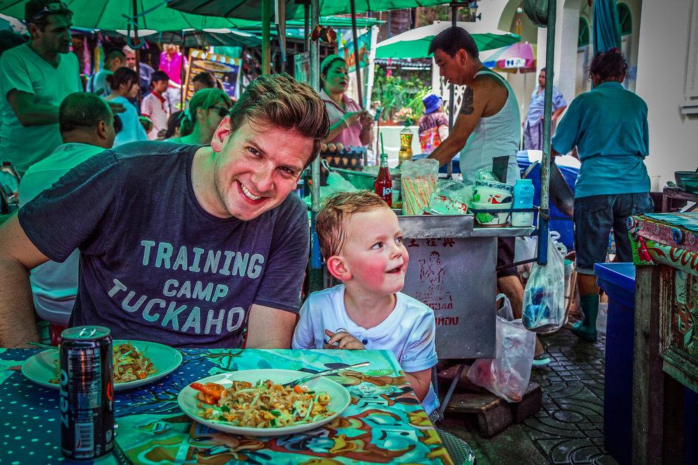 Reizen kinderen Thailand Bangkok streetfood Thaifood.jpg