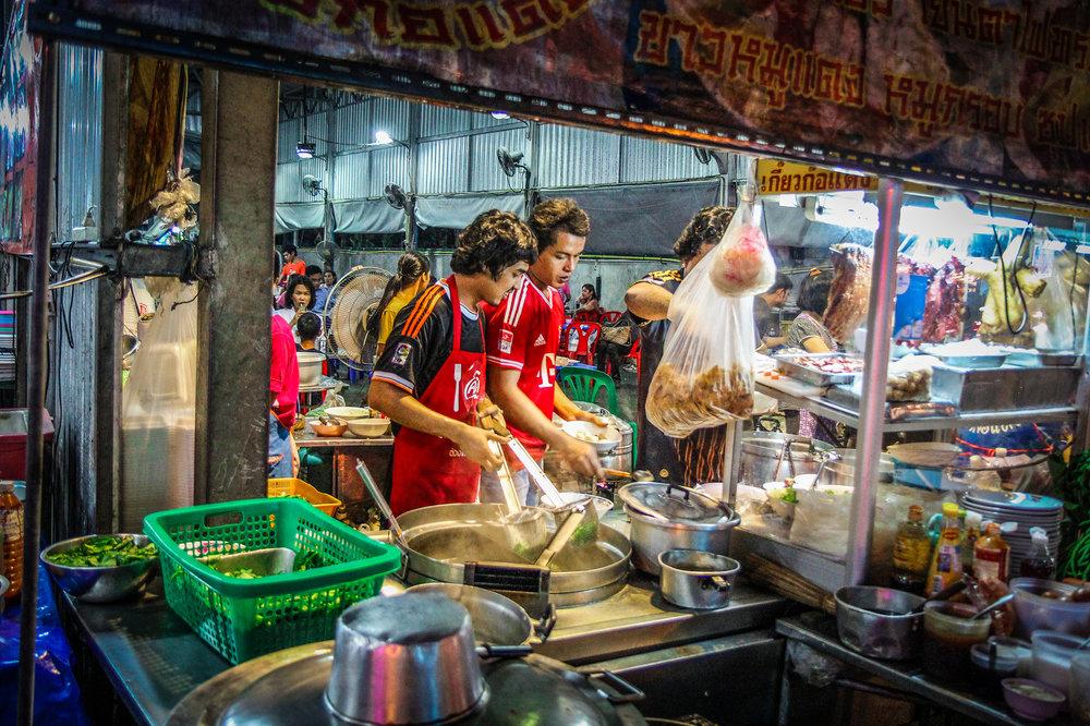 Reizen kinderen Thailand Bangkok streetfood.jpg