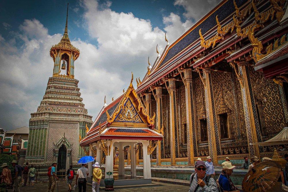 Bangkok met kinderen - Grand Palace gebed