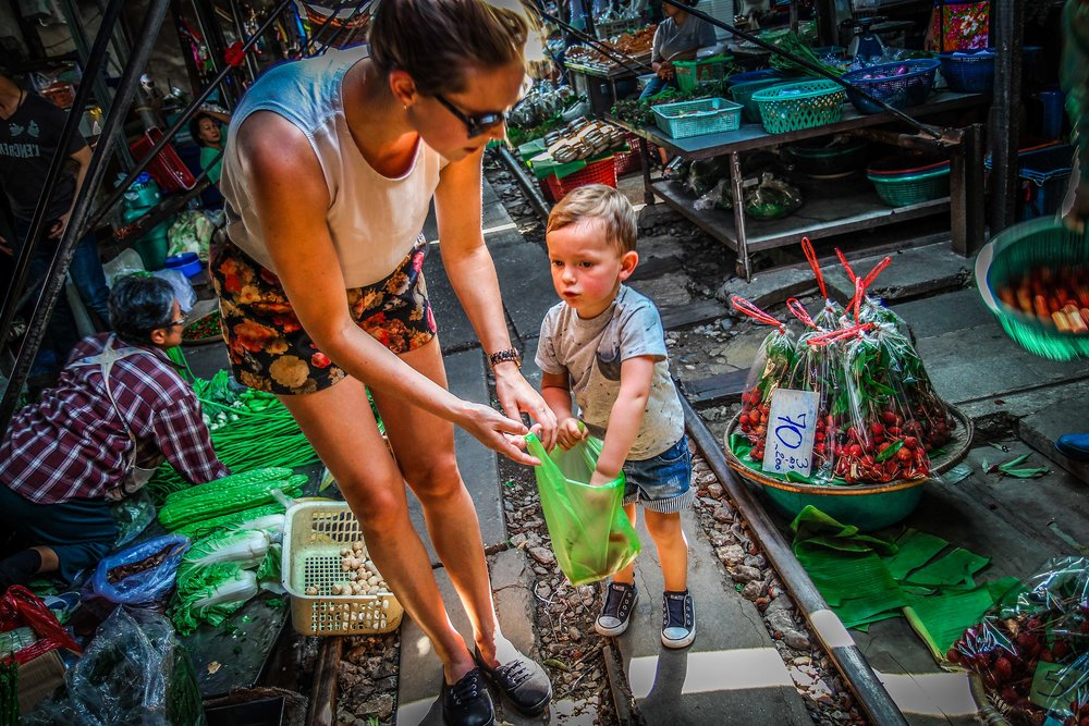 Bangkok - Maeklong railway  - Reizen met kinderen - withkidsontheroad-10.jpg