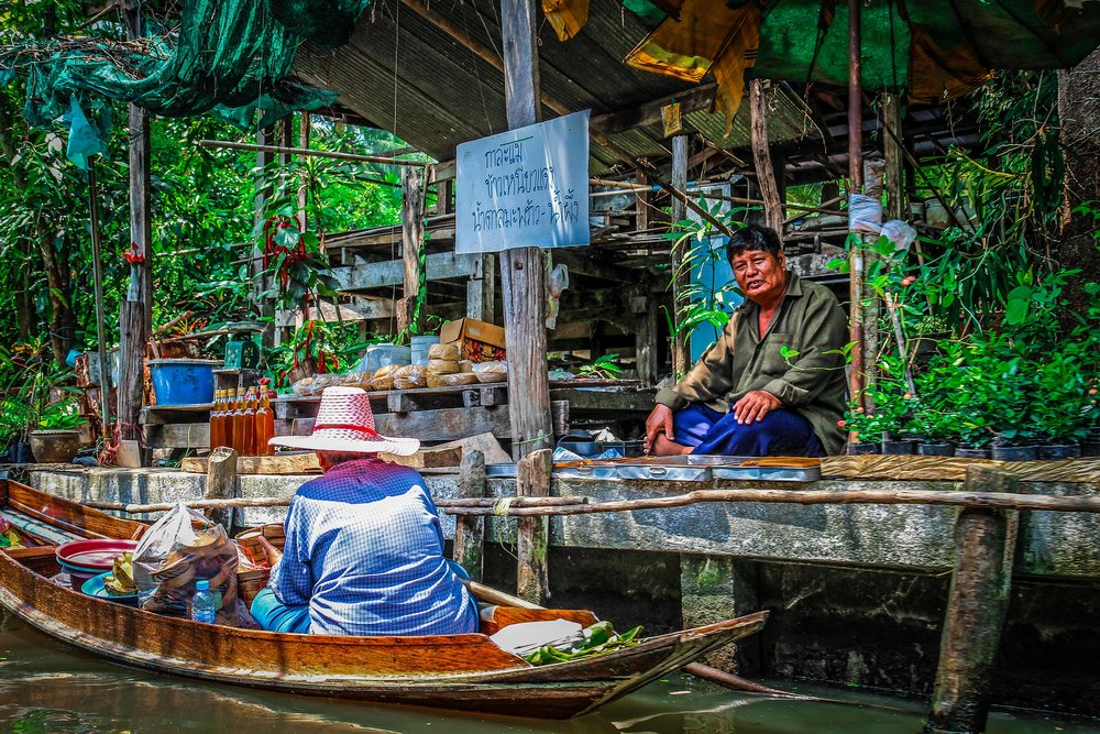 Bangkok met kinderen - Drijvende markt - Damnoen Saduak - verkoop