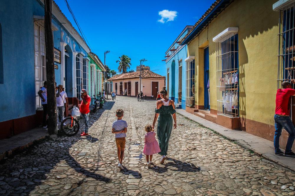 Trinidad met kinderen - Cuba - welkom in 1910