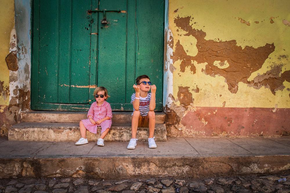 Trinidad met kinderen - Cuba - Mooie Kleuren
