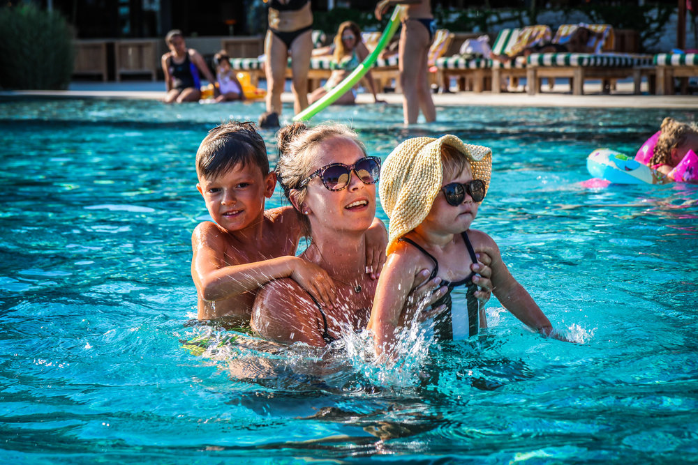 Familie foto - Zwembad Hotel Camiral Catalunya