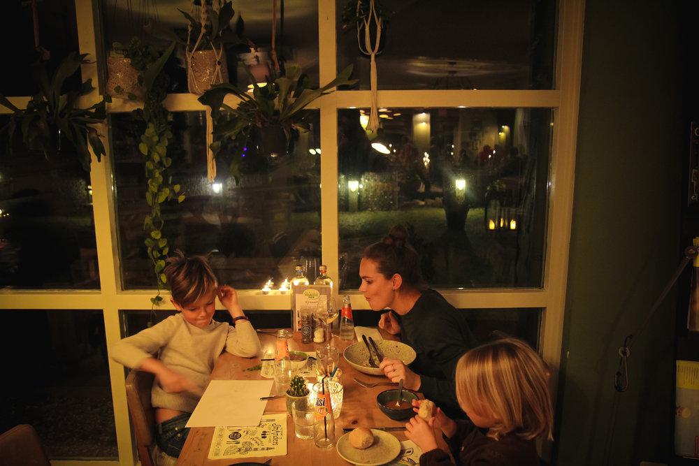 withkidsontheroad_ameland_restaurants-5.JPG