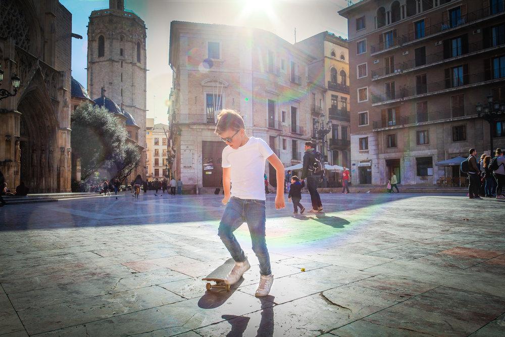 withkidsontheroad_Valencia_Placa_de_virgen-23aa.jpg