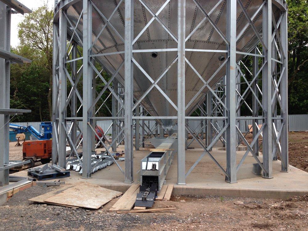 Installation of silo discharge conveyor