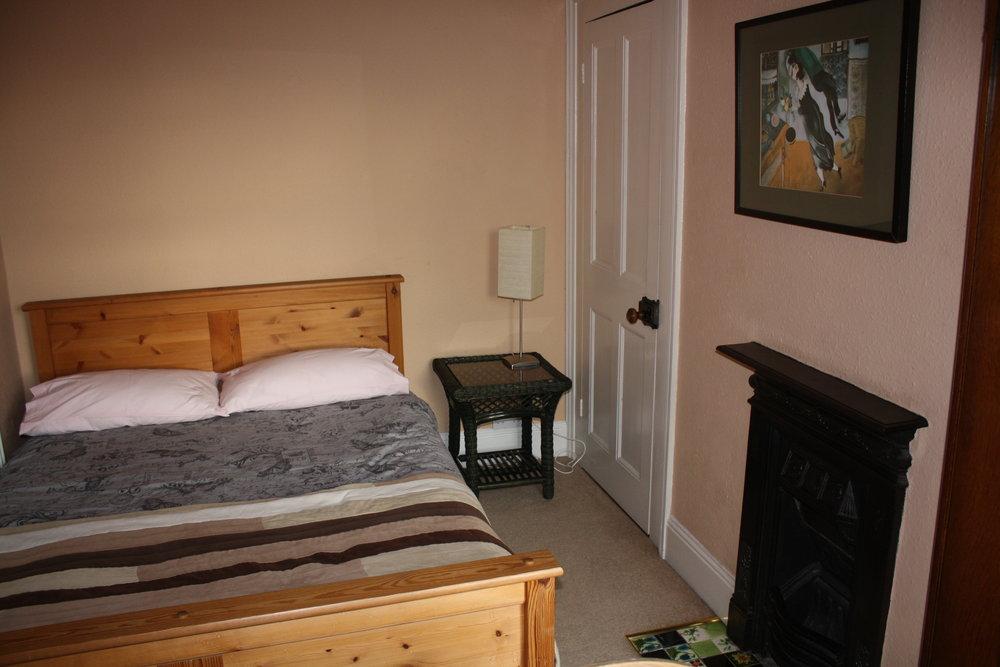 IMG_0003 bedroom.JPG