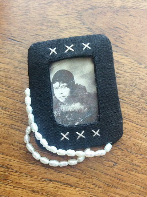 mixed media textile brooch made with vintage photo and freshwater pearls - paperiaarre.com