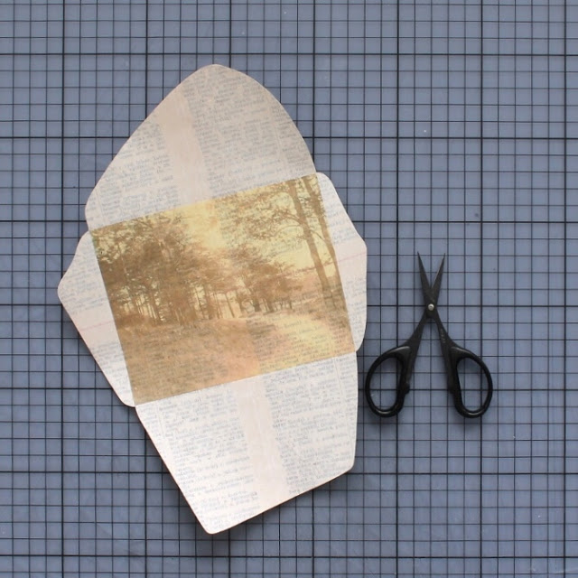 diy: mixed paper envelopes - cutting out the envelope, at last! / paperiaarre.com