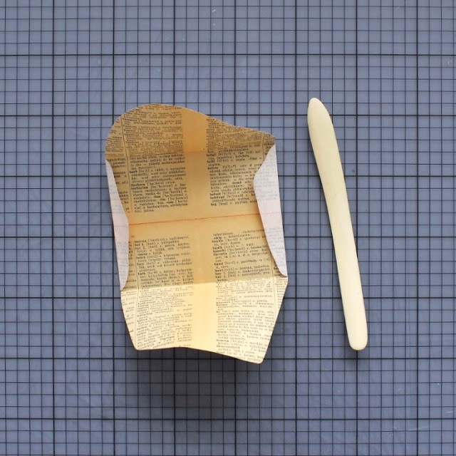 diy: mixed paper envelopes - folding in the flaps / paperiaarre.com
