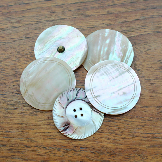 antique mother of pearl buttons - paperiaarre.com