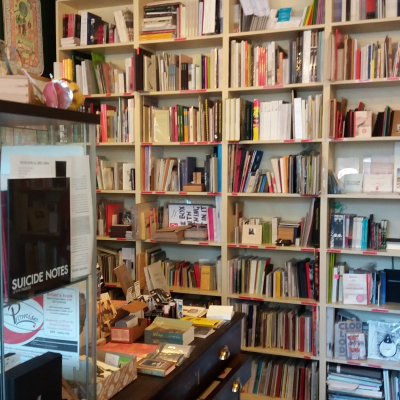 the wonderful bookartbookshop in London - paperiaarre.com