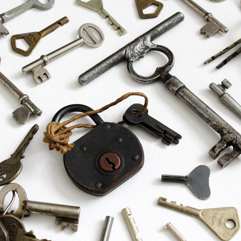 accumulator seriali - vintage keys / paperiaarre.com