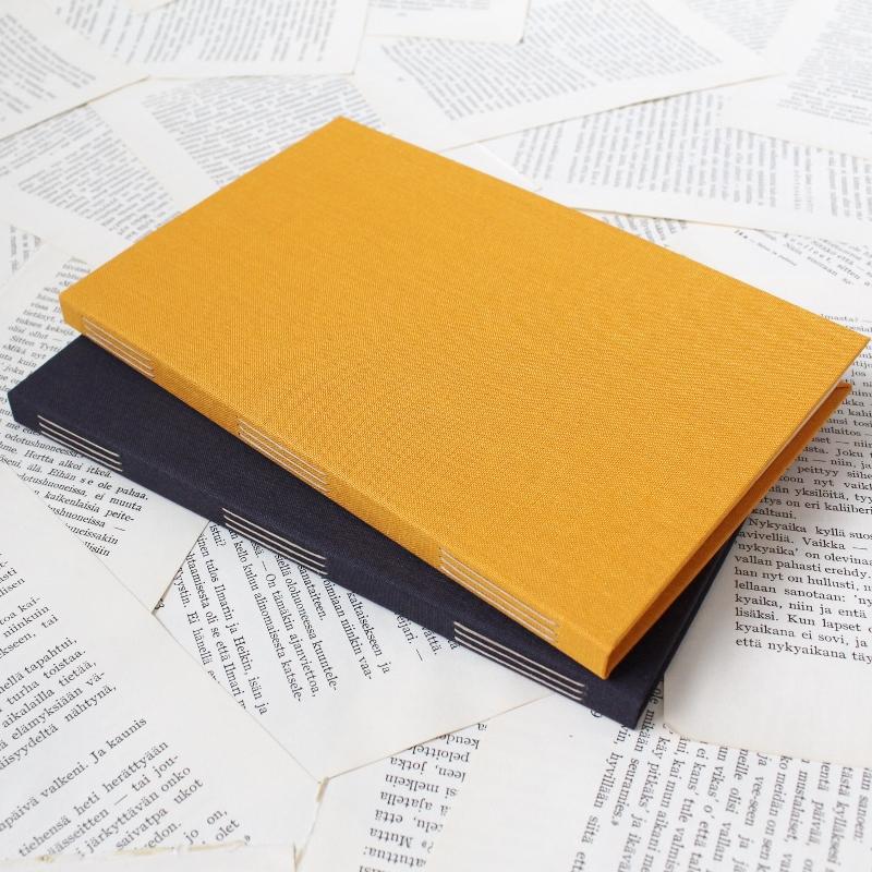 handmade long stitch bullet journals by Kaija Rantakari / www.paperiaarre.com