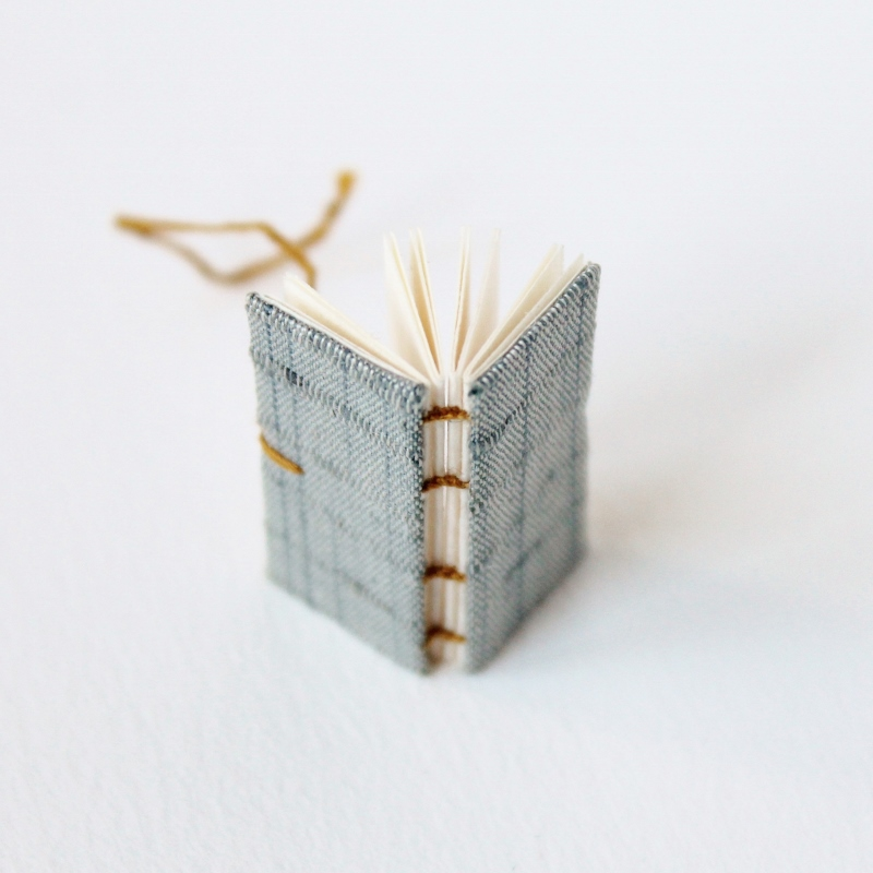 tiny-artists-book-paperiaarre-8.jpg