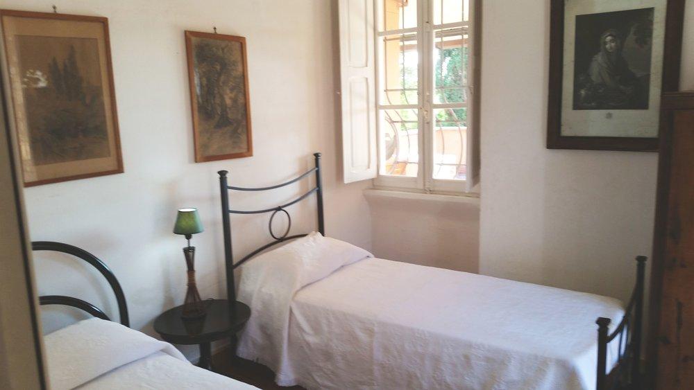 Ezedra twin bedroom