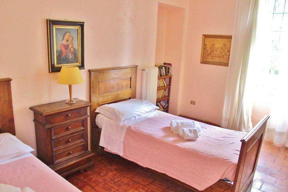 ww pink bedroom