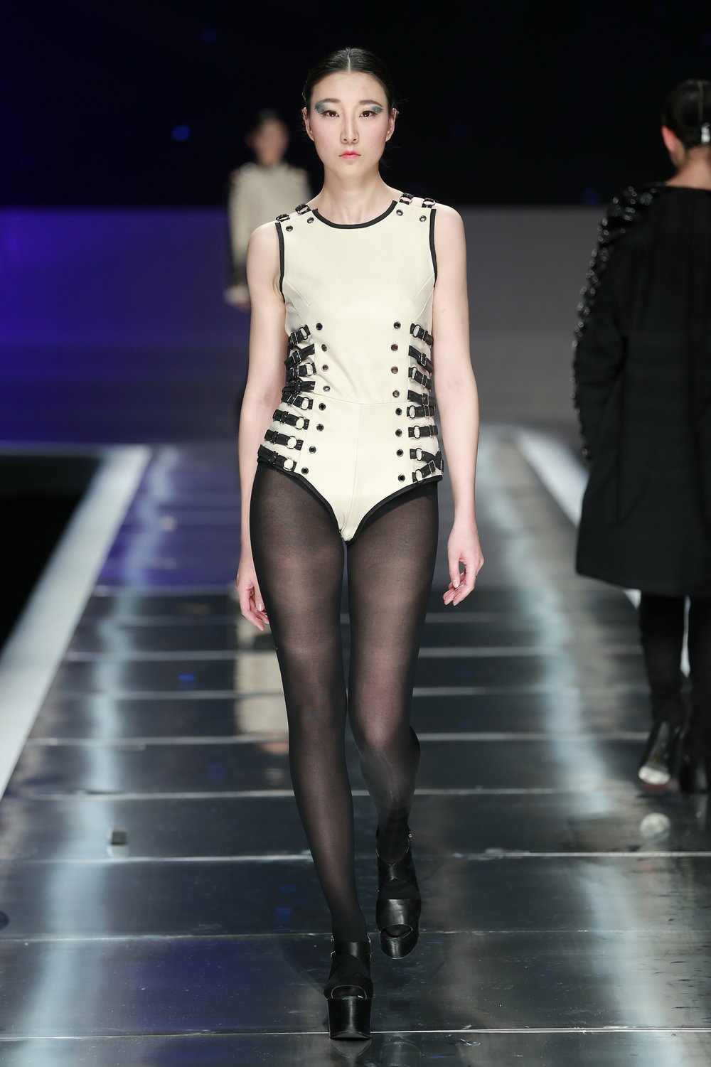 China-Look2-Overall-Award-Fashion-Week-Show.JPG