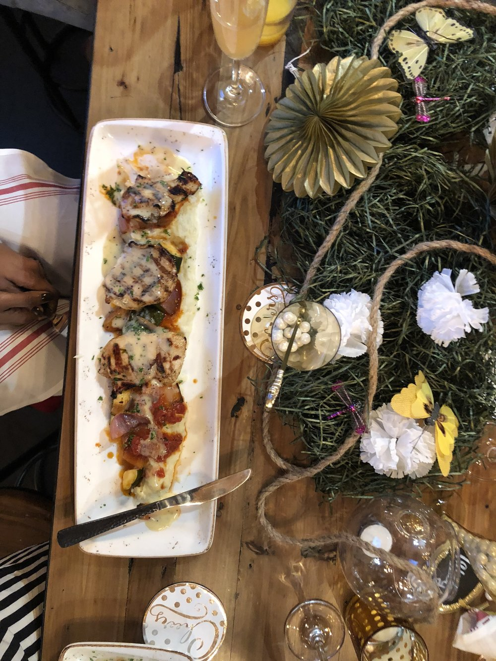 The food choices fit everyone's dietary likes/restrictions. The brunch menu gave us a variety of things to eat. The chicken kabobs were a favorite among the table especially for $12