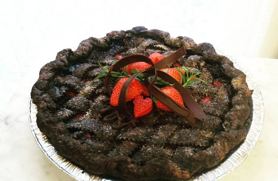 Strawberry with Dark Chocolate Lattice Crust