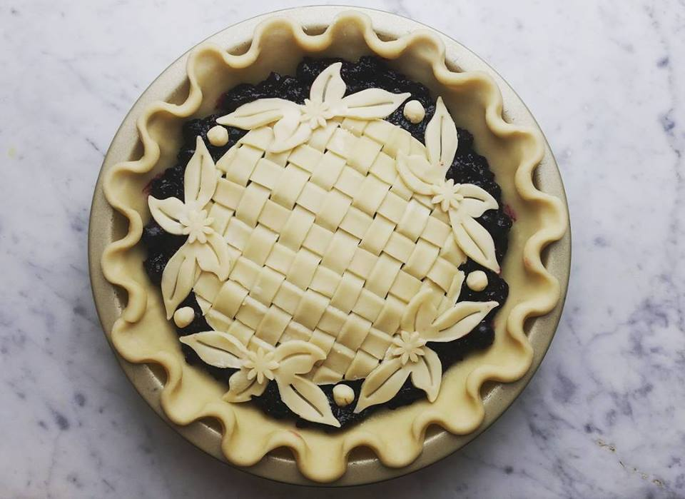 "Blueberry Pie with lattice ""island"""