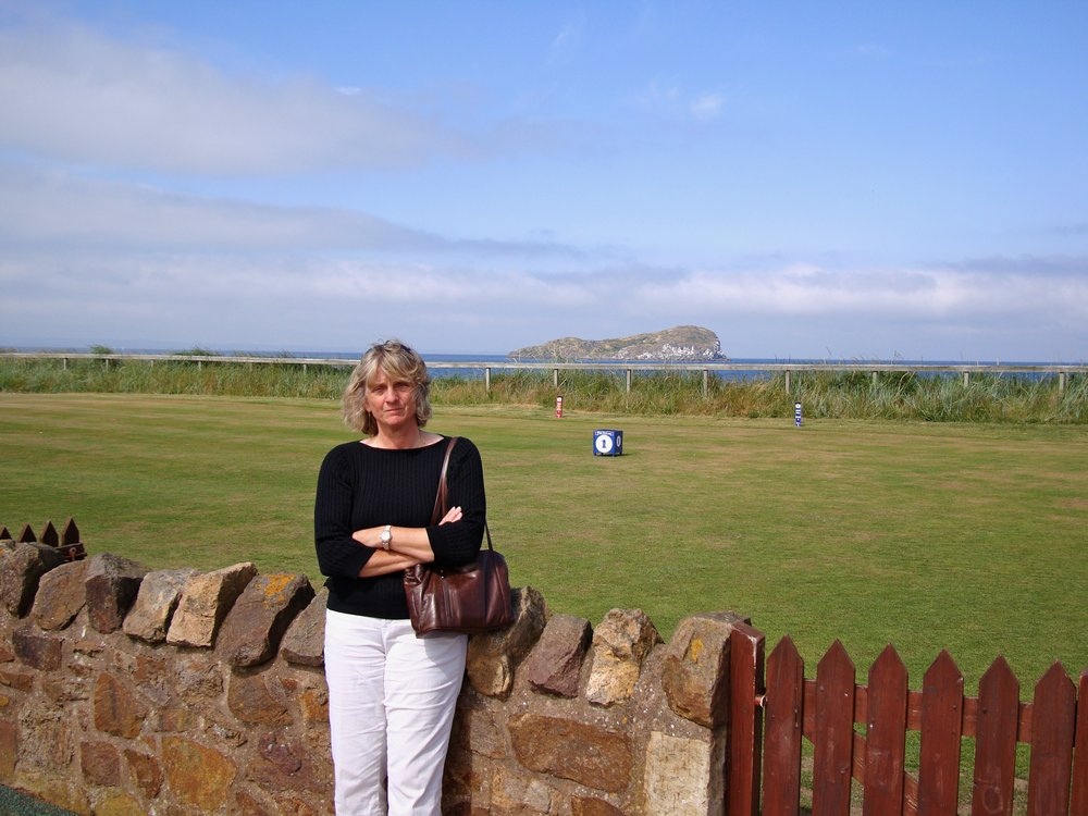 Gill at first tee 2009