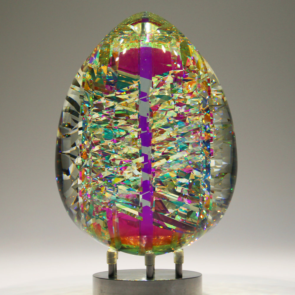 Fantastik-ViviOvo-DOro-Optical-Crystal-Sculpture-by-Jack-Storms.jpg