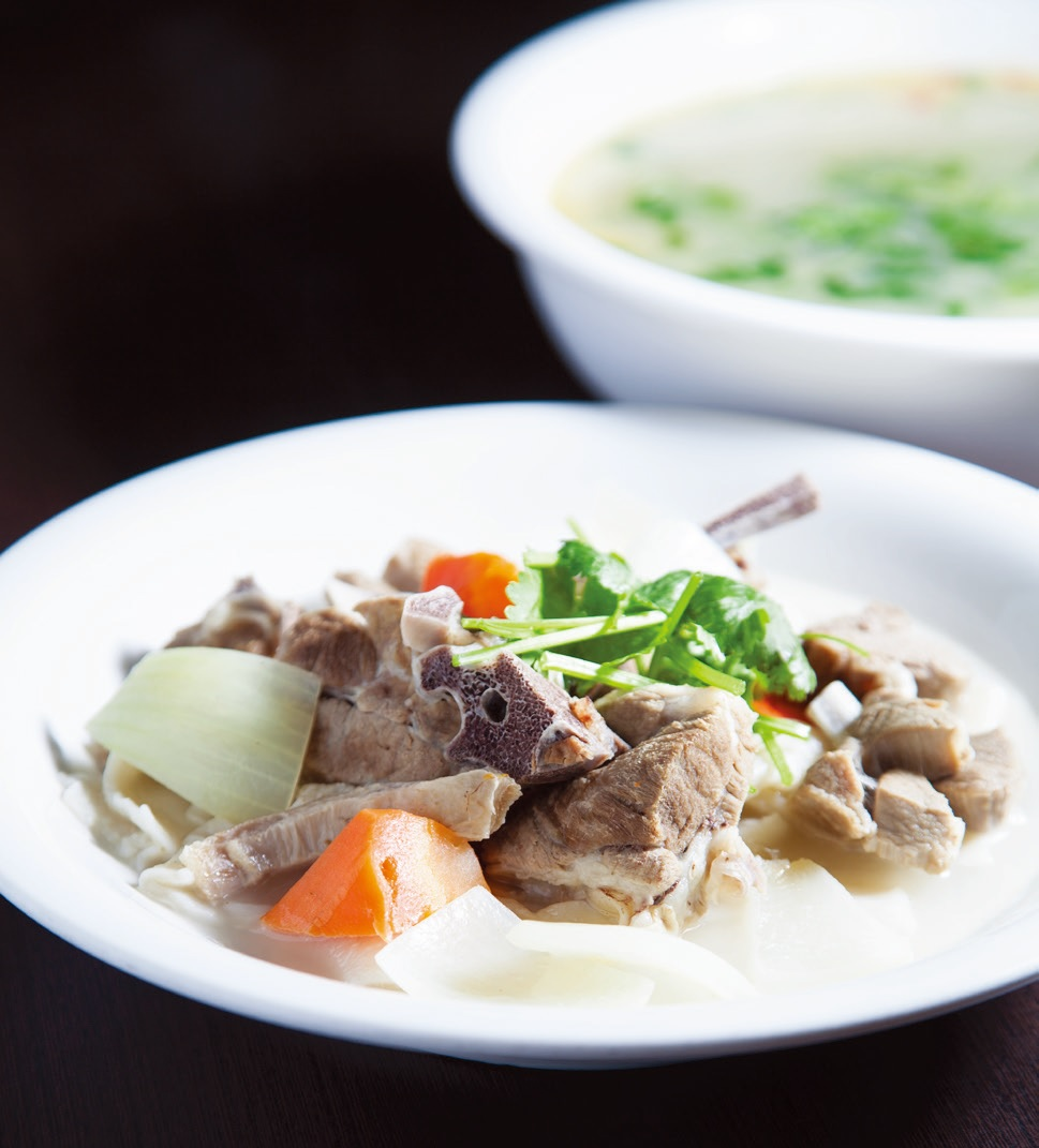 Lamb bone soup with noodles