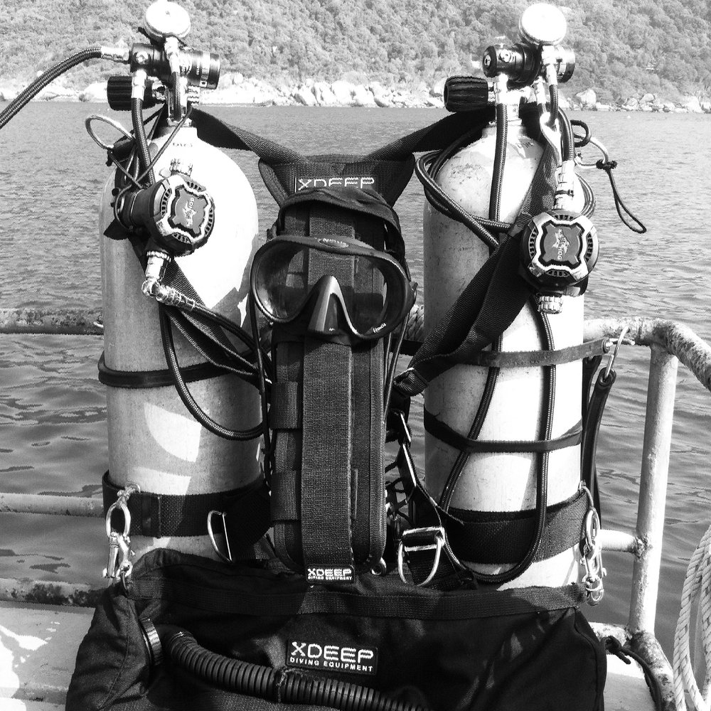SIDEMOUNT COURSES    Learn to dive with sidemount. We will customize course for your needs from recrenational to multi stage sidemount diving.